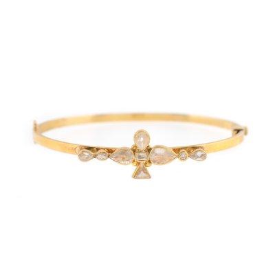 """""""Vintage Finesse"""" - brățară din aur, decorată cu diamante"""